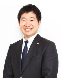 岸田弁護士